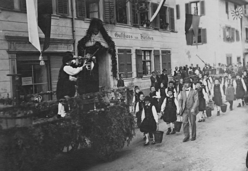Das Fest zelebrierte 20 Jahre Einsatz für sauberes Trinkwasser für Neunkirch. Eine notwendige Massnahme gegen die noch vorhandene Cholera.